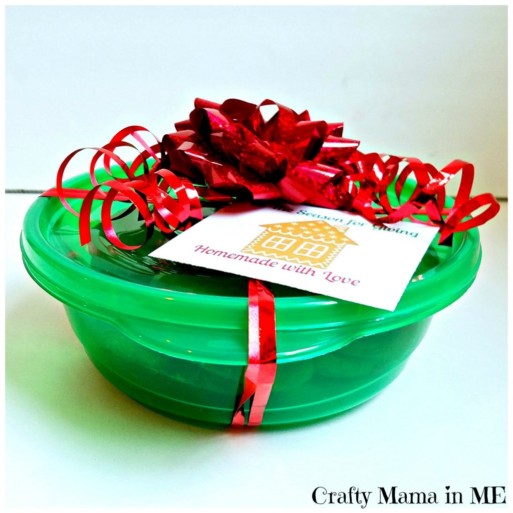 Festive Teacher Gifts for the Holidays {Free Printable Gift Tags}