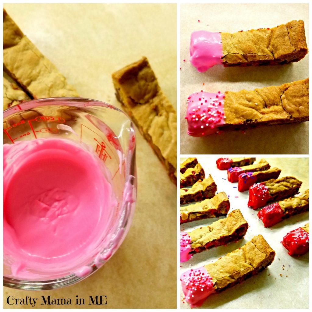 Valentine's Day Cookie Bars {Kids in the Kitchen}