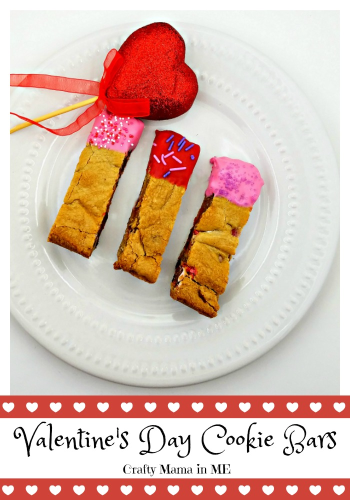 Valentine's Day Cookie Bars {Kids in the Kitchen}